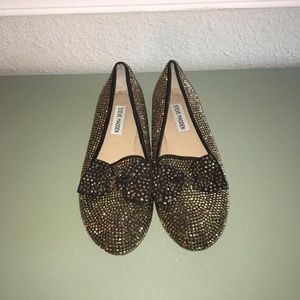 Studded gold flats with bow
